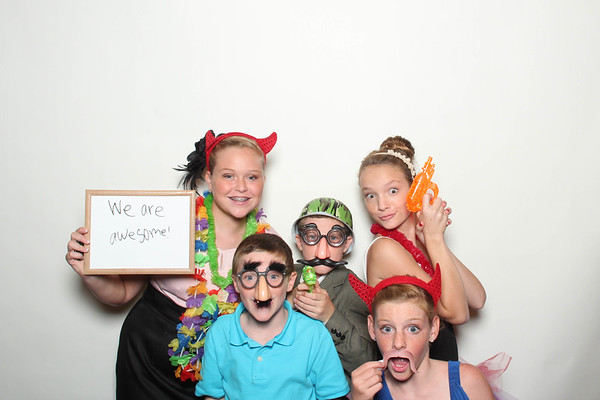 Laura&Ryan_BananaWhoBooth_MidlandWedding-0023