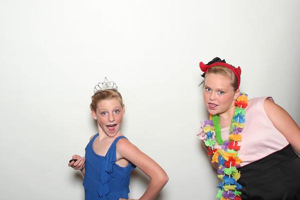 Laura&Ryan_BananaWhoBooth_MidlandWedding-0021