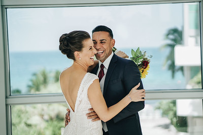 Laura and Fabian Sneak Peek | Diplomat Beach Resort