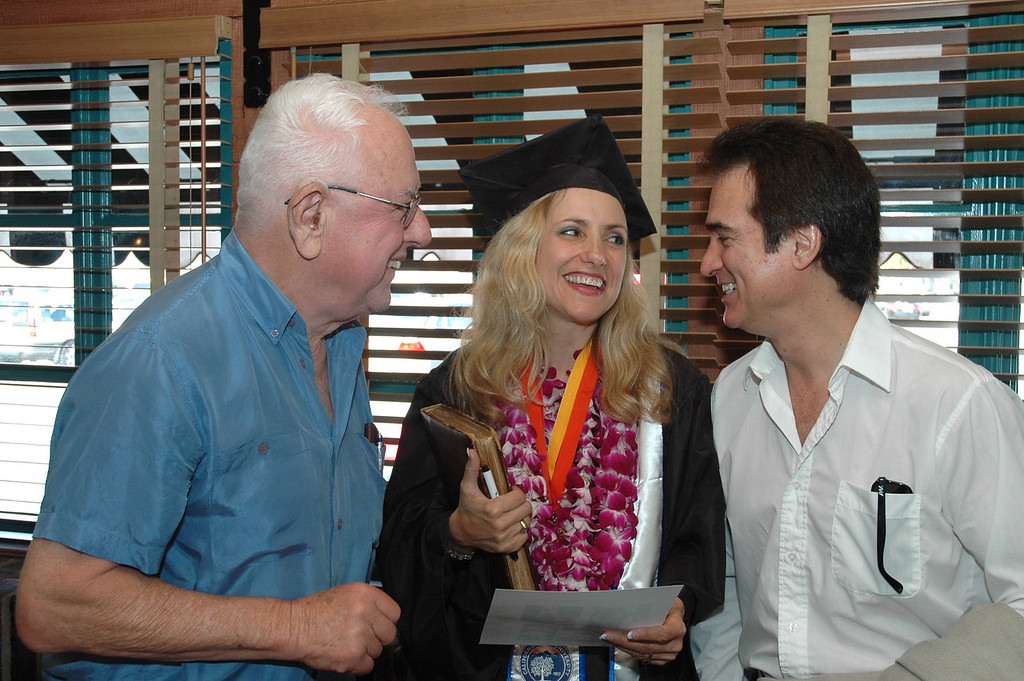 Dad, Laura & Jim & diploma from CSUF
