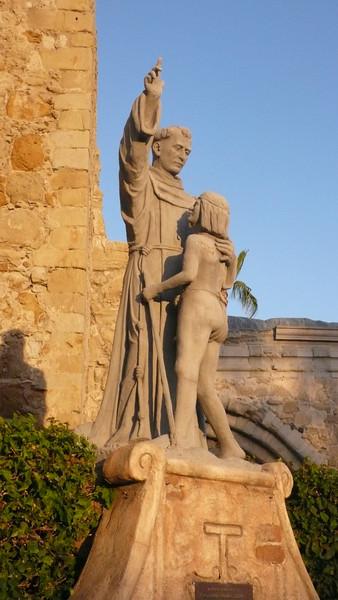 Statue<br /> Mission San Juan Capistrano