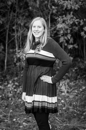 LaurenHarkema-Senior_001-BW