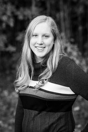 LaurenHarkema-Senior_004-BW