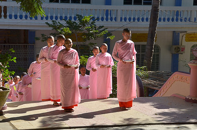Buddhist nuns call to lunch