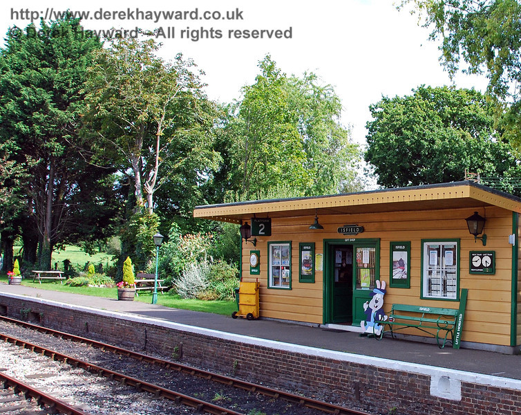 The old waiting area on Platform 2 at Isfield Station, which is now a shop. (This building is actually the old waiting room from the down platform at Barcombe Mills.  The original building was moved to the Bluebell Railway and is on Platform 2 at Sheffield Park). Behind is a very pleasant seating area and garden. 02.09.2007