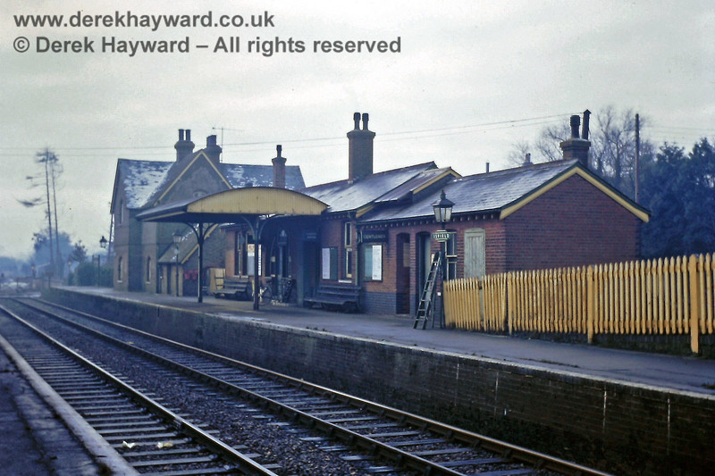 I am grateful to Eric Kemp for allowing me to include some of his historical photos in this gallery.  The Up side station buildings at Isfield, including the Station Master's house, pictured in British Rail days during rather damp and murky conditions on 01.01.1969.  A ladder leans casually against one of the oil lamps, ready for lighting up at dusk.  Eric Kemp retains all rights to this image.