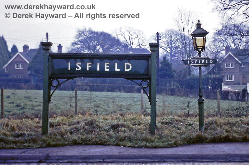 Isfield running in board and one of the platform oil lamps. 01.01.1969.  Eric Kemp retains all rights to this image.