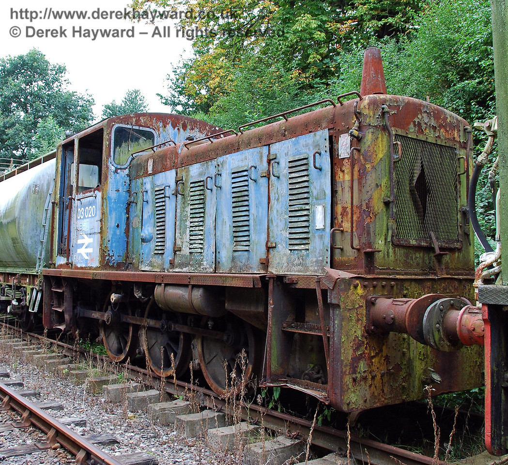 Diesel shunter 03020 in a sad condition, awaiting restoration. Isfield 02.09.2007