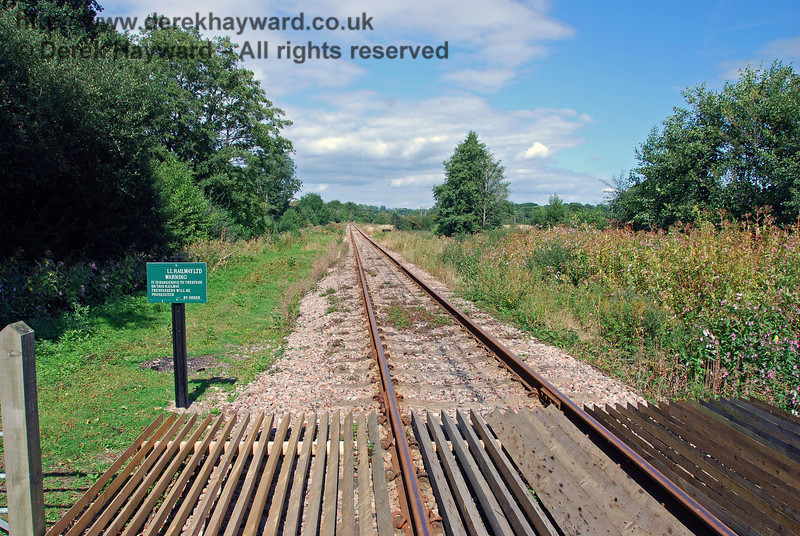 Turning round, this view looks north, towards the end of the line. 02.09.2007