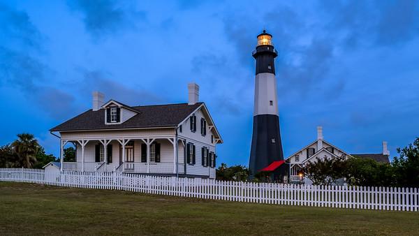 savannah lighthouse at sunrise