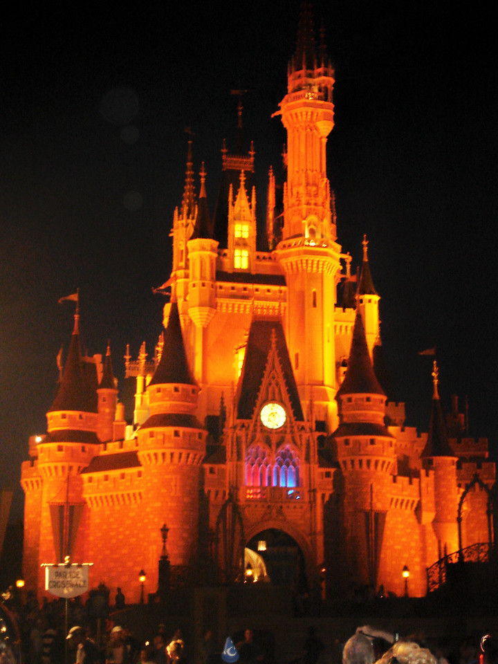 El Castillo de la Cenicienta ~ Magic Kingdom ~ Orlando, Florida Octubre 2006