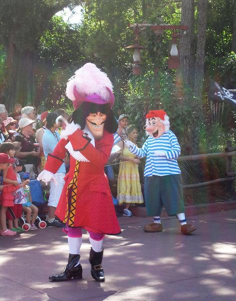 ~ Capitan Garfio ~ Desfile en Magic Kingdom