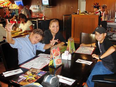 en el aeropuerto de Cancun, listos para partir...