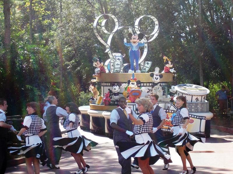 el desfile dentro de Magic Kingdom
