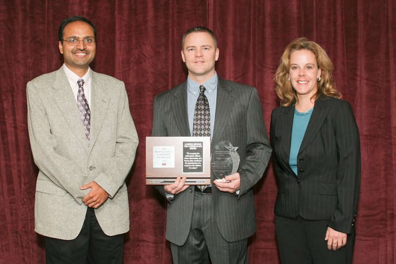2007 Looking Beyond the License Plate Award --<br /> Honorable Mention: Trooper Tony Brock, Washington Highway Patrol<br /> (also pictured: Anoop Gupta, 3M and Kellee Reemer, 3M)