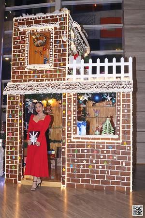 Le Méridien Saigon | Christmas 2020 instant print photo booth | Chụp hình in ảnh lấy liền Tiệc Giáng sinh 2020 | WefieBox Photobooth Vietnam