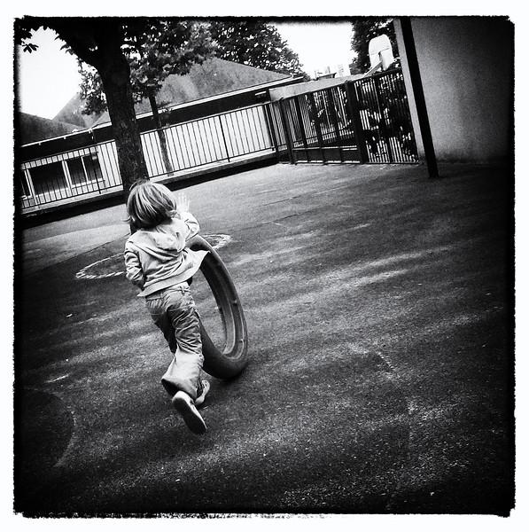 On n'retombe jamais en enfance - Henri Tachan