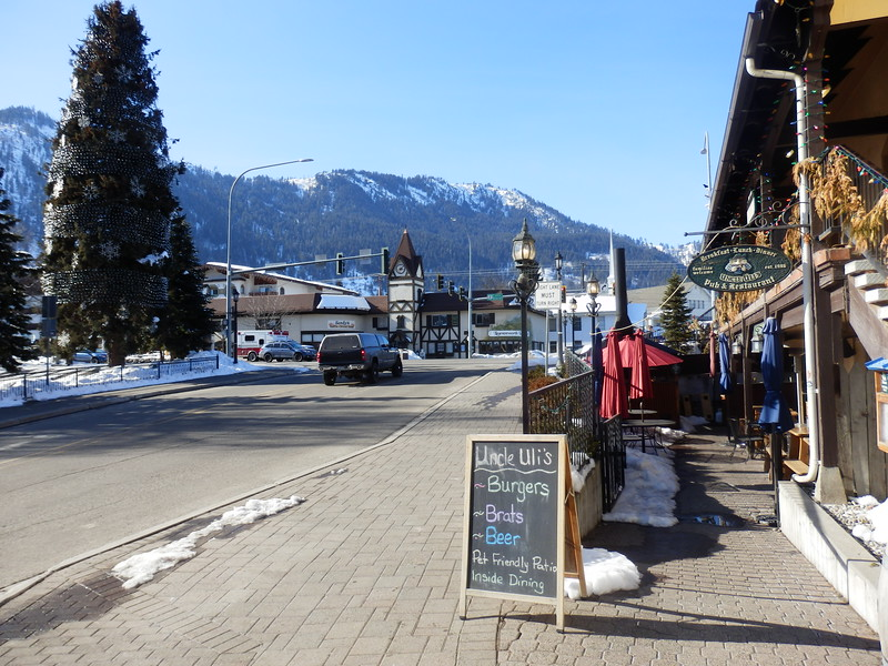 Leavenworth has many pet-friendly restaurants!