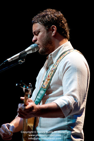 Amos Lee Special Guest Pieta Brown Lebanon Opera House and Kirschner Concerts  Lebanon Opera House, Lebanon NH October 21, 2011 Copyright ©2011 Nancy Nutile-McMenemy www.photosbynanci.com For the Lebanon Opera House