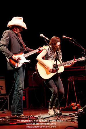Pieta Brown and Bo Ramsey Amos Lee Lebanon Opera House and Kirschner Concerts  Lebanon Opera House, Lebanon NH October 21, 2011 Copyright ©2011 Nancy Nutile-McMenemy www.photosbynanci.com For the Lebanon Opera House