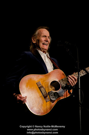 Gordon Lightfoot A Benefit for COVER Home Repair Sponsored by AB Gile, Lake Sunapee Bank and The Point-fm Lebanon Opera House, Lebanon NH May 14, 2012 Copyright ©2012 Nancy Nutile-McMenemy www.photosbynanci.com For the Lebanon Opera House More images: http://photosbynanci.smugmug.com/LebanonOperaHouseShows