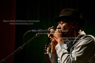 Keb' Mo' Lebanon Opera House and Kirschner Concerts  Lebanon Opera House, Lebanon NH Sept. 21, 2011 Copyright ©2011 Nancy Nutile-McMenemy www.photosbynanci.com For the Lebanon Opera House