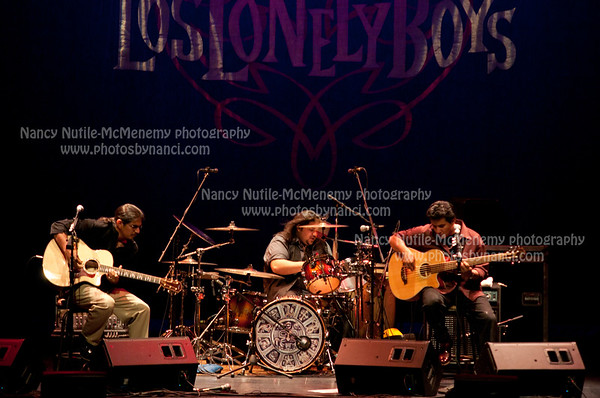 Los Lonely Boys Lebanon Opera House Lebanon NH OCtober 22, 2010