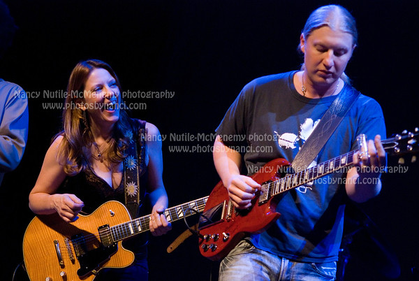 Susan Tedeschi with Special Guests The Derek Trucks Band Moreland and Arbuckle opened November 8, 2009 Lebanon Opera House, Lebanon NH For the Lebanon Opera House More images: http://photosbynanci.smugmug.com/organize/Susan-Tedeschi/Paramount2009