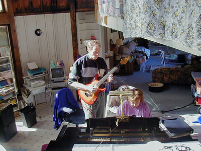 FL and Shirley Lebin, jamming at the Lebin house, Oct 29 2000.