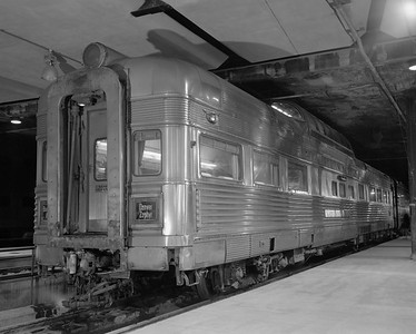 2010.030.01.P.06--lee hastman 4x5 neg--CB&Q--passenger car Silver Veranda at Union Station--Chicago IL--1971 1219