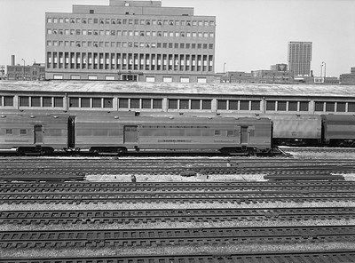 2010.030.01.P.11--lee hastman 6x7 neg--CB&Q--baggage RPO passenger car Silver Mail--Chicago IL--1971 0425