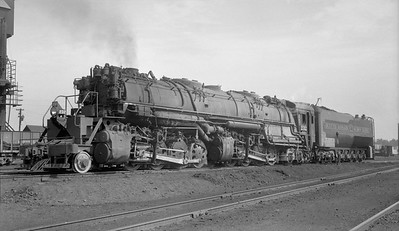 2010.030.04.003--lee hastman 116 neg--DM&IR--steam locomotive 2-8-8-4 232--Prcotor MN--1952 0912
