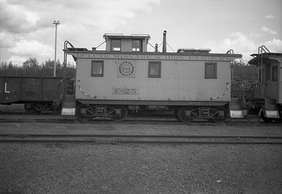 2010.030.04.015--lee hastman 116 neg [Owen Leander]--DM&IR--wooden caboose C-25--Virginia MN--1971 0704