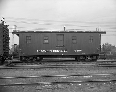 2010.030.05.7.007A--lee hastman 4X5 neg--ICRR--wooden caboose 9489 in Markham yard--Chicago IL--1950 0000