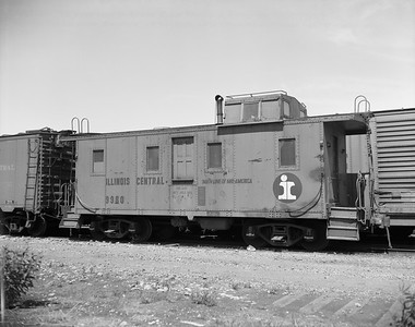 2010.030.05.7.016--lee hastman 4X5 neg--ICRR--caboose 9980--location unknown--no date