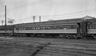 2010.030.05.7.024--lee hastman PC neg--ICRR--safety instruction car 12 at Weldon yard--Chicago IL--1969 0302