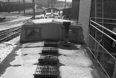 2010.030.05.7.015D--lee hastman 6x9 neg--ICRR--caboose 9902 at 20th Street detail--Chicago IL--1975 0210