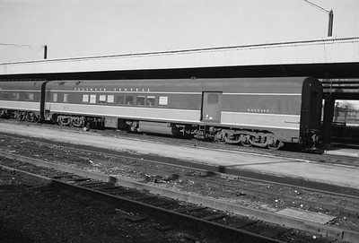 2010.030.05.5.018--lee hastman 6x9 neg--ICRR--baggage-combine car 1850--Chicago IL--1973 0701