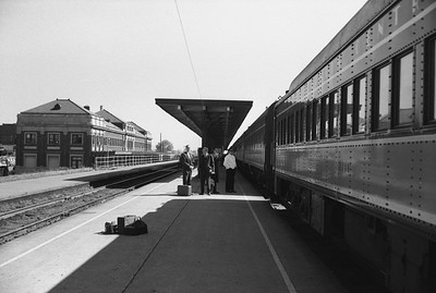 2010.030.05.9.024--lee hastman 35mm neg--ICRR--passenger train at station platform scene--Champaign IL--1965 0000