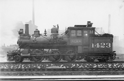 2010.030.PS.008--lee hastman collection 8x10 print [Elvis B Adams]--ICRR--steam locomotive 2-6-4T 1423--Chicago IL--1925 1019