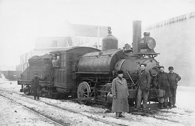 2010.030.PS.019--lee hastman collection 8x10 print [John B Lindgren]--ICRR--steam locomotive 0-4-0 1501 with crew--Chicago IL--1909 0000