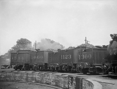 2010.030.05.1.000--lee hastman 3x4 neg [JL Stewart]--ICRR--steam locomotives lined up tender first at turntable--Clarksburg IL--1930 0000