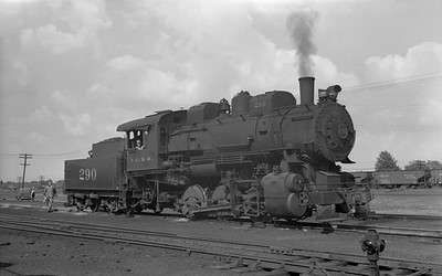 2010.030.05.1.010--lee hastman 6x9 neg--ICRR--steam locomotive 0-6-0 290--Centralia IL--1955 0516