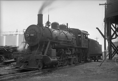 2010.030.05.1.026--lee hastman 6x9 neg--ICRR--steam locomotive 2-8-0 719--Rantoul IL--1953 0627