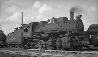 2010.030.05.1.011--lee hastman 116 neg--ICRR--steam locomotive 0-6-0 294--Jackson MS--1948 0405