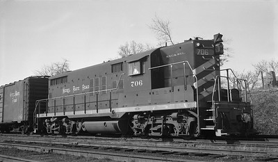 2010.030.10.D.016--lee hastman 116 neg--NKP--EMD diesel locomotive 706--Muncie IN--1961 0408