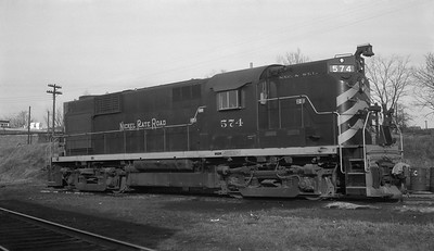 2010.030.10.D.015--lee hastman 116 neg--NKP--ALCO diesel locomotive 574--New Castle IN--1961 0213
