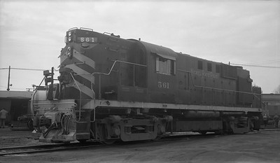 2010.030.10.D.013--lee hastman 116 neg--NKP--ALCO diesel locomotive 561--Muncie IN--1961 0326