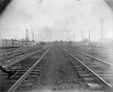 2010.030.CC.007--lee hastman collection cabinet card--PCC&StL CTT--view of tracks looking south from a point about 34th Place.--Brighton Park IL--c1903 0000