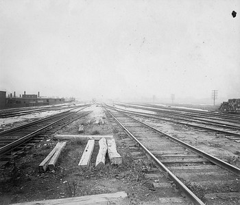 2010.030.CC.025--lee hastman collection cabinet card--PCC&StL CTT--view of tracks looking south from I&M Canal bridge--Brighton Park IL--c1903 0000